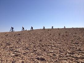טיול אופניים במצפה רמון-מכתש רמון.jpg