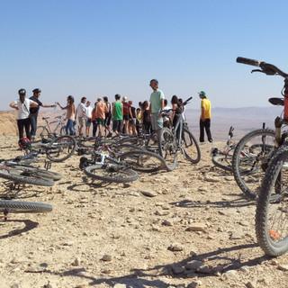 טיול אופניים מאורגן במצפה רמון