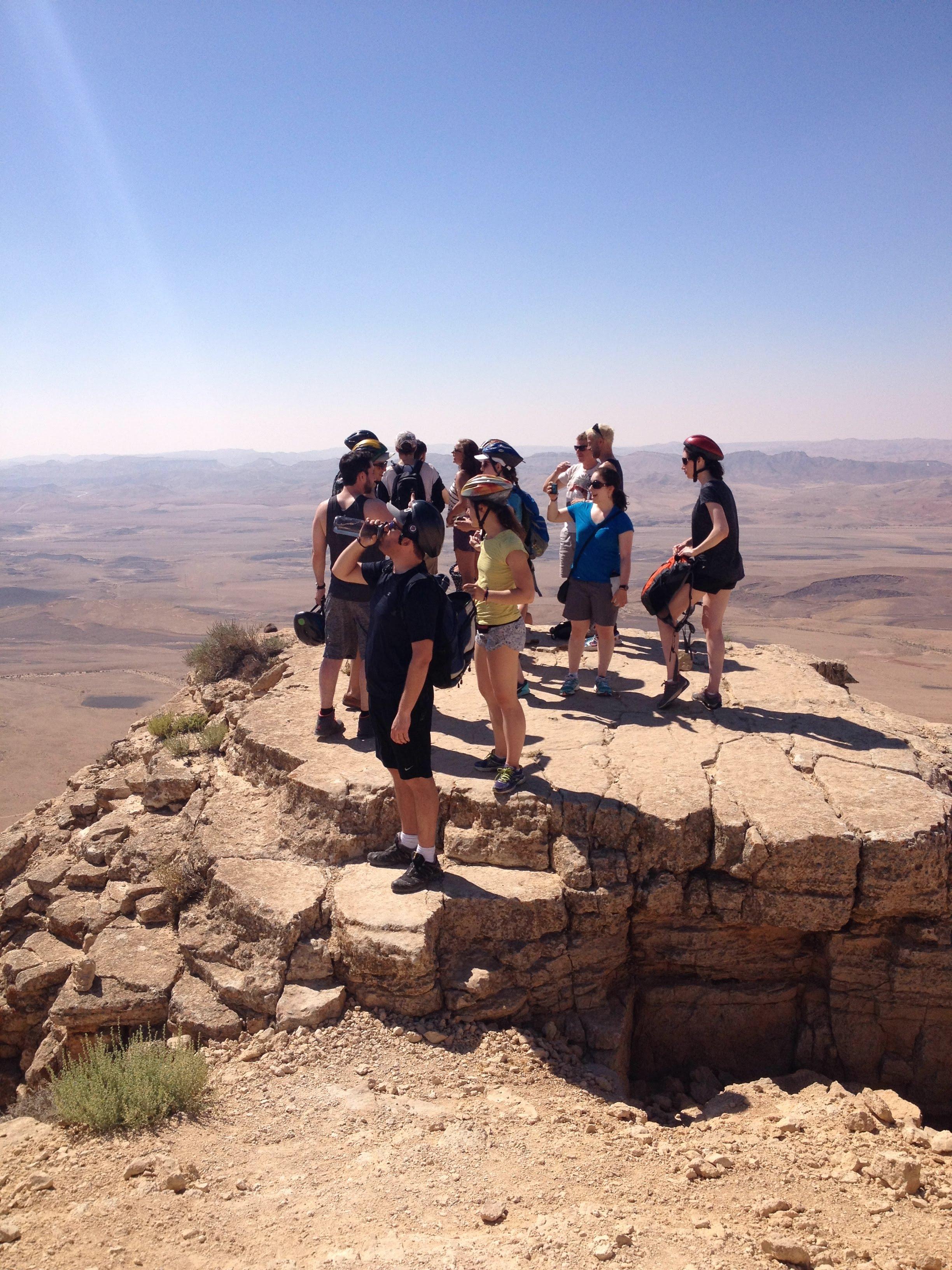 הדרכת טיול במדבר