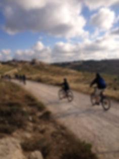 טיולי אופניי הרים עד 100 רוכבים