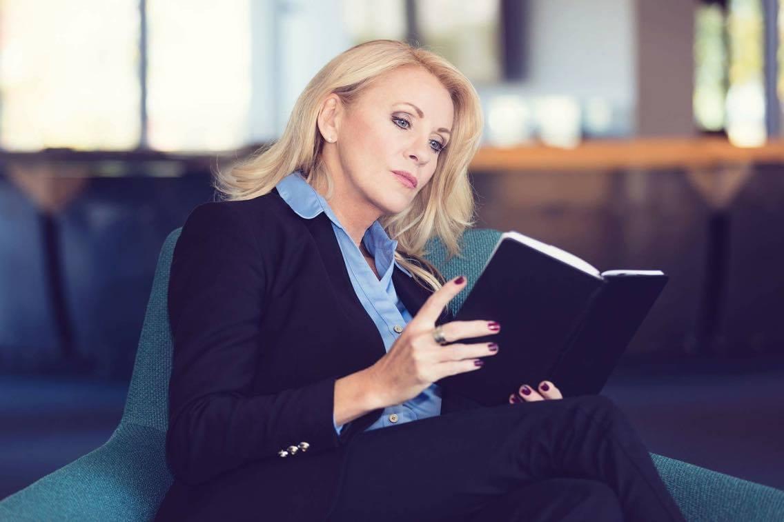 Christiane reading