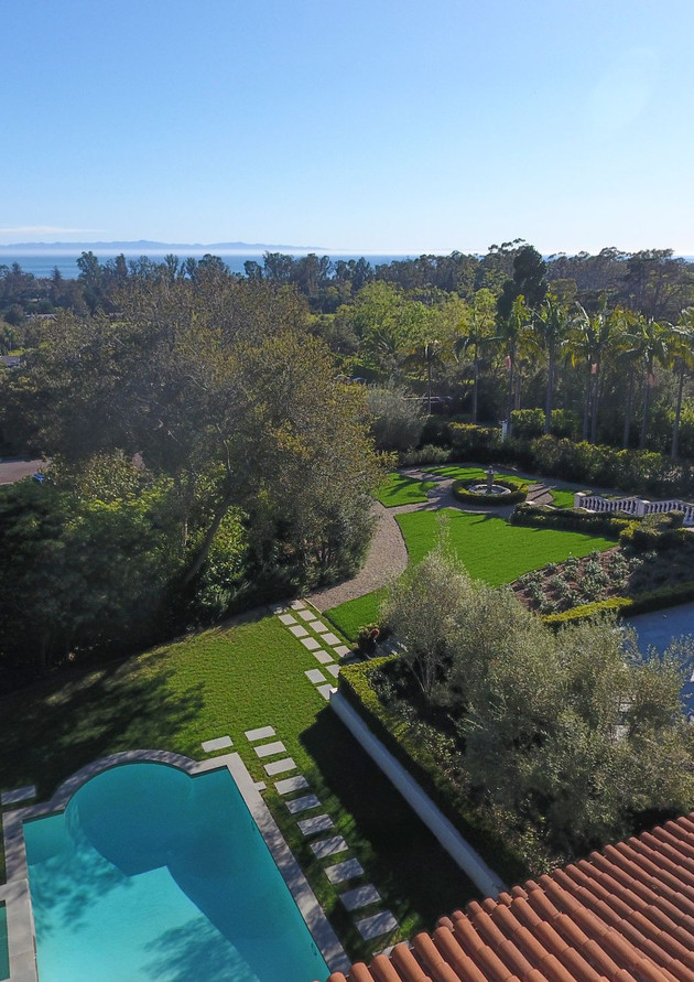 Arial view of backyard to ocean.jpg