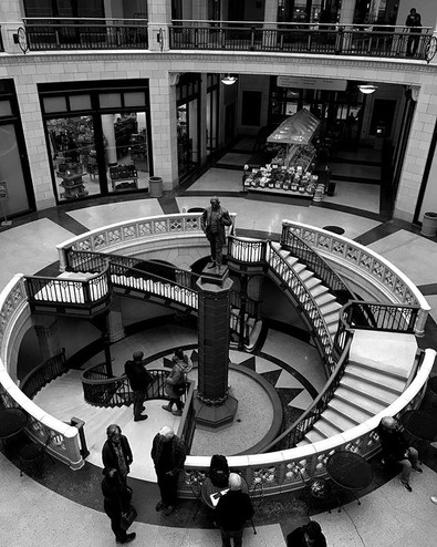 Grand Avenue Mall _#streetphotography #b