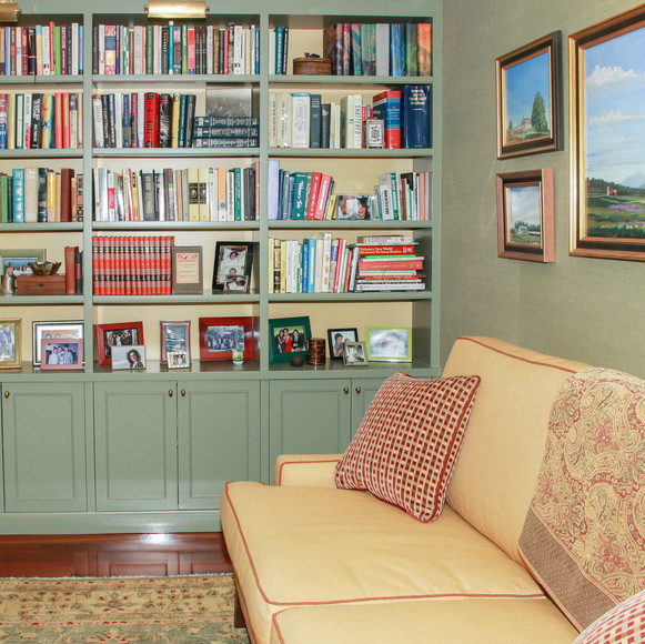 Larchmont Residence Library