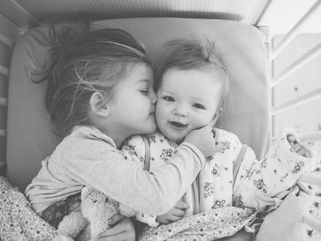 Πώς να μεγαλώσουμε ευτυχισμένα παιδιά;