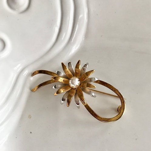 Tow tone gold plated , pearl brooch