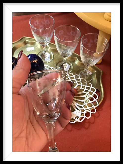 Set of 4 etched glass