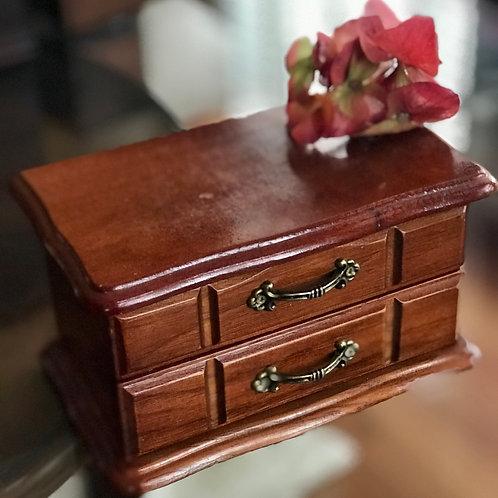 Cut Pettit jewelry box