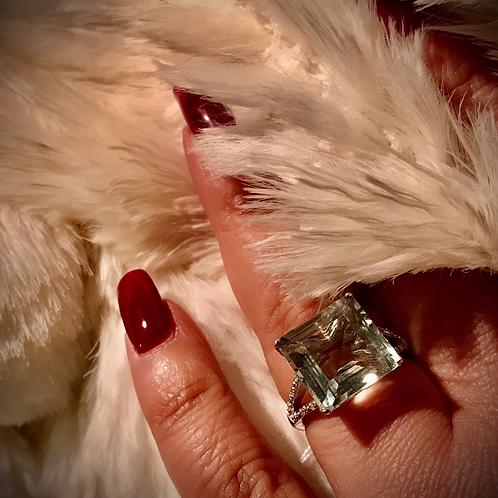 10 carat lime quartz ring