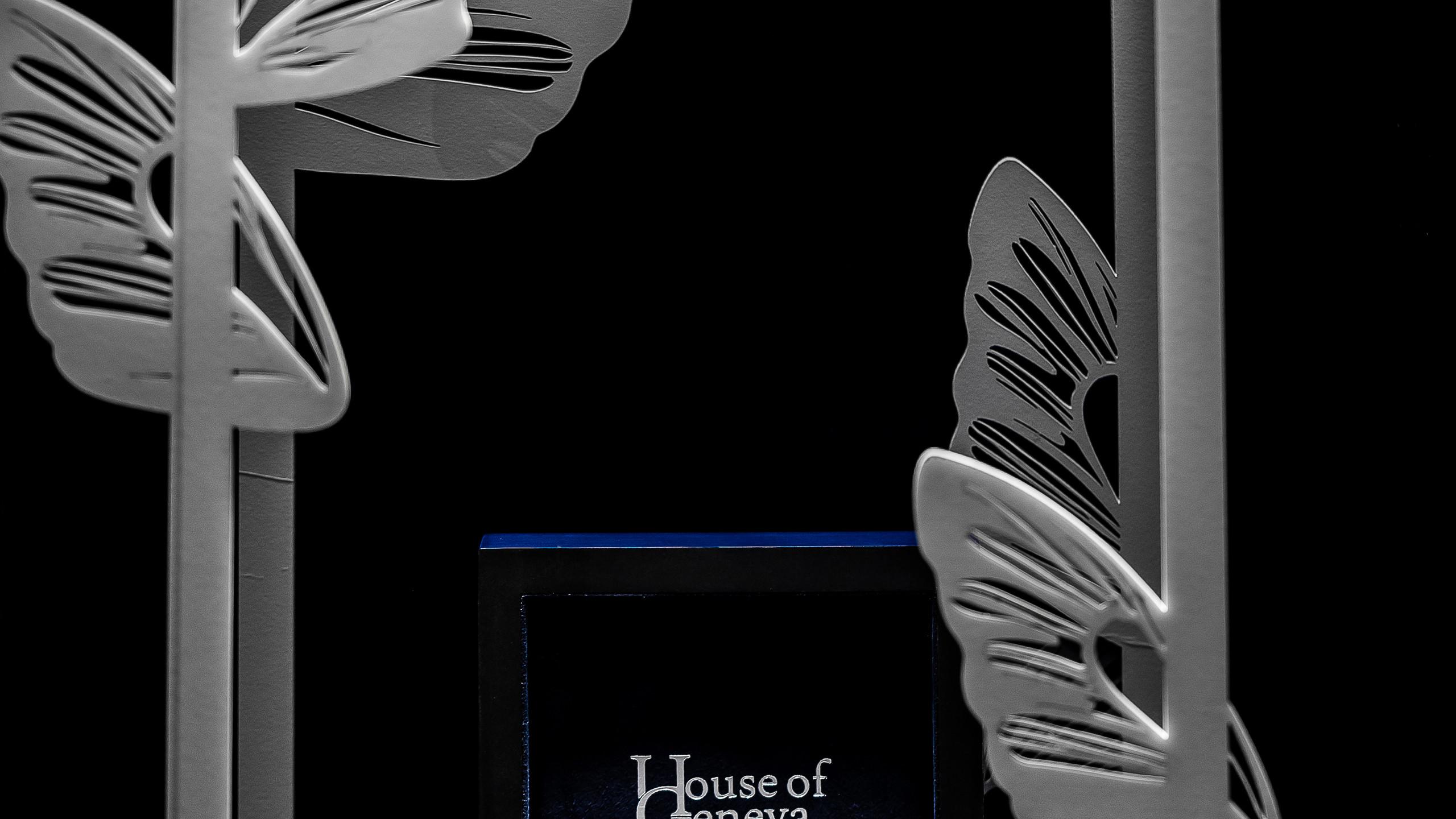 House of Geneva's Blue Isabellae display.