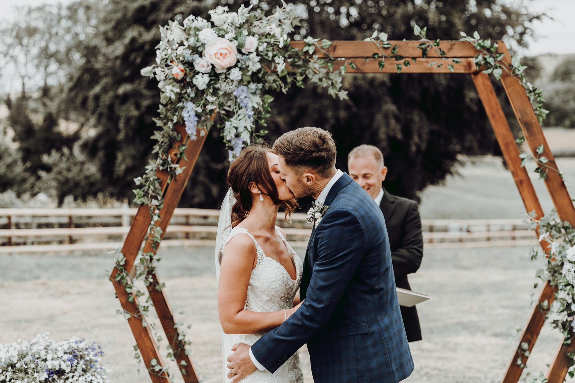 hampshire-wedding-photographer-s&j-371.j