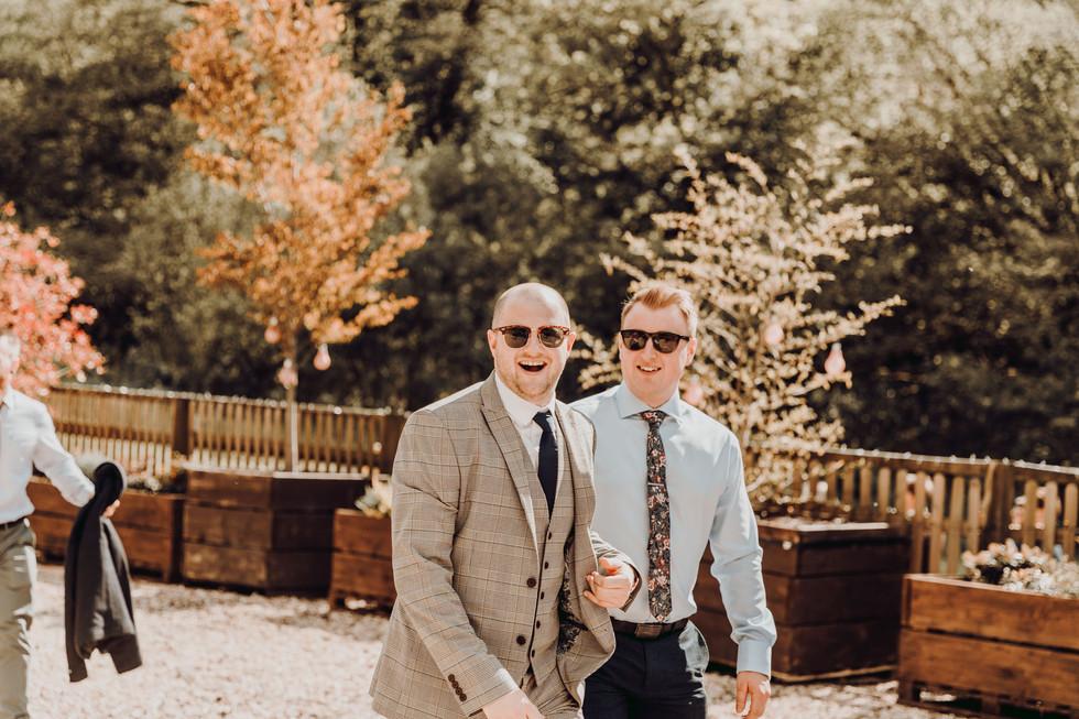 hampshire-wedding-photographer-e&b-363.j