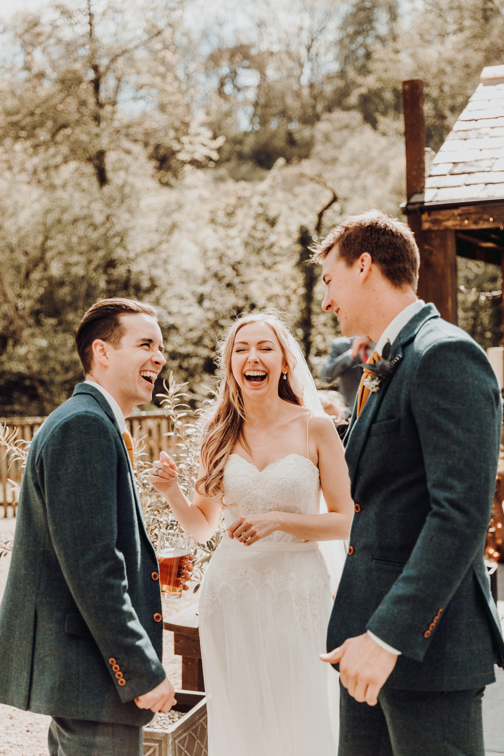hampshire-wedding-photographer-e&b-368.j