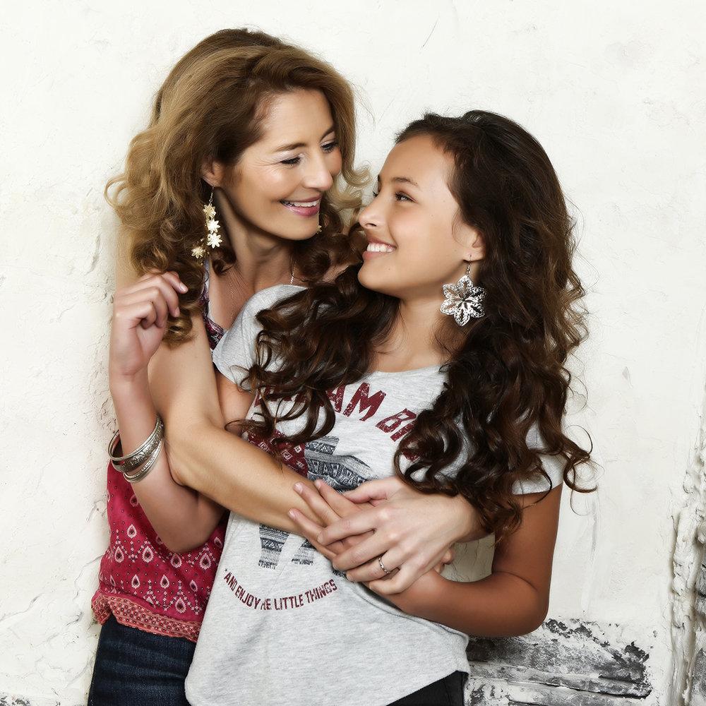 Mutter-Tochter or Freundinnen