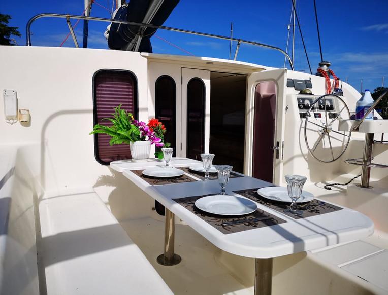 Salon extérieur catamaran Leopard 47-2001