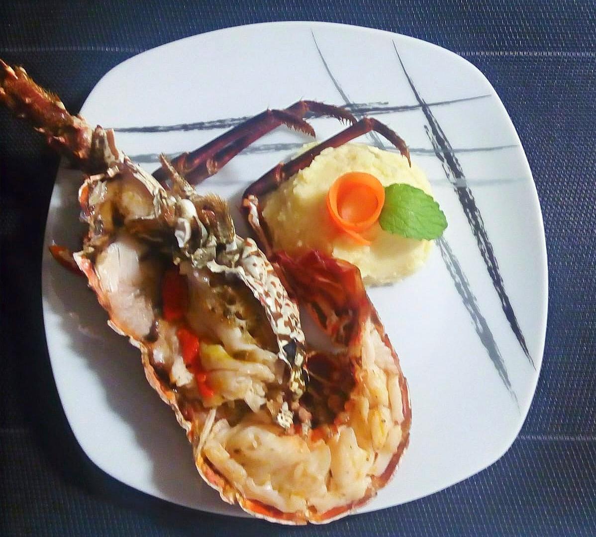 lobster plate.jpg