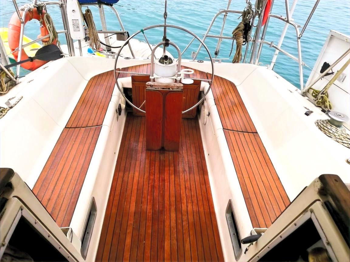 Cockpit-voilier-Jeanneau-Space-1300-Pana