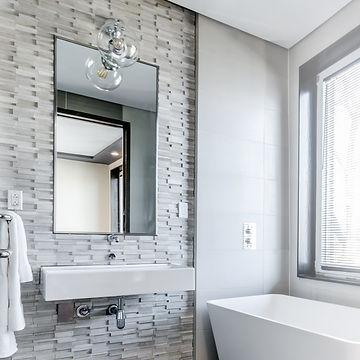 mirror-batroom-modern.jpg