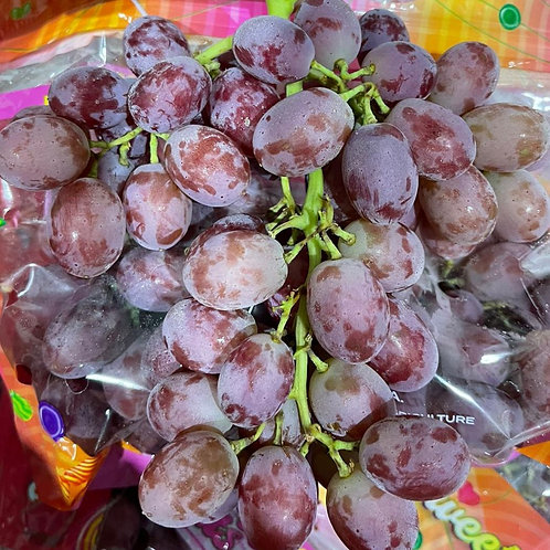 USA Candy Heart Red Seedless Grapes 500g