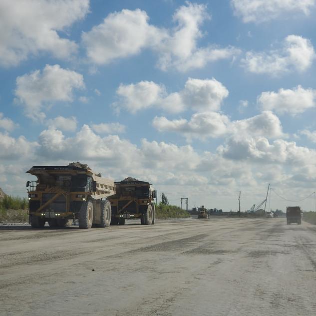 Caterpillar Off Road Trucks