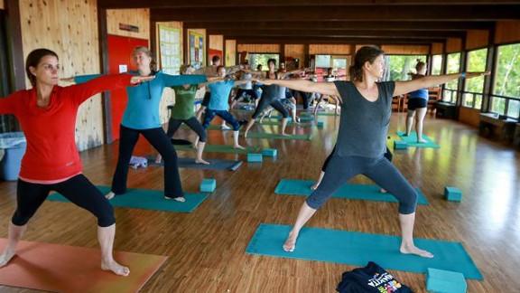 Wanakita-Women-s-Weekend-yoga-at-Lakevie