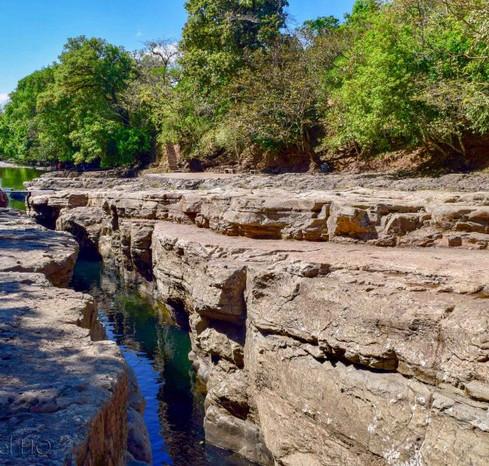 Los-Cangilones-de-Gualaca-Canyon-864x593