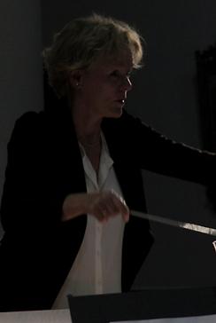 Ann dirigeert Poulenc.PNG