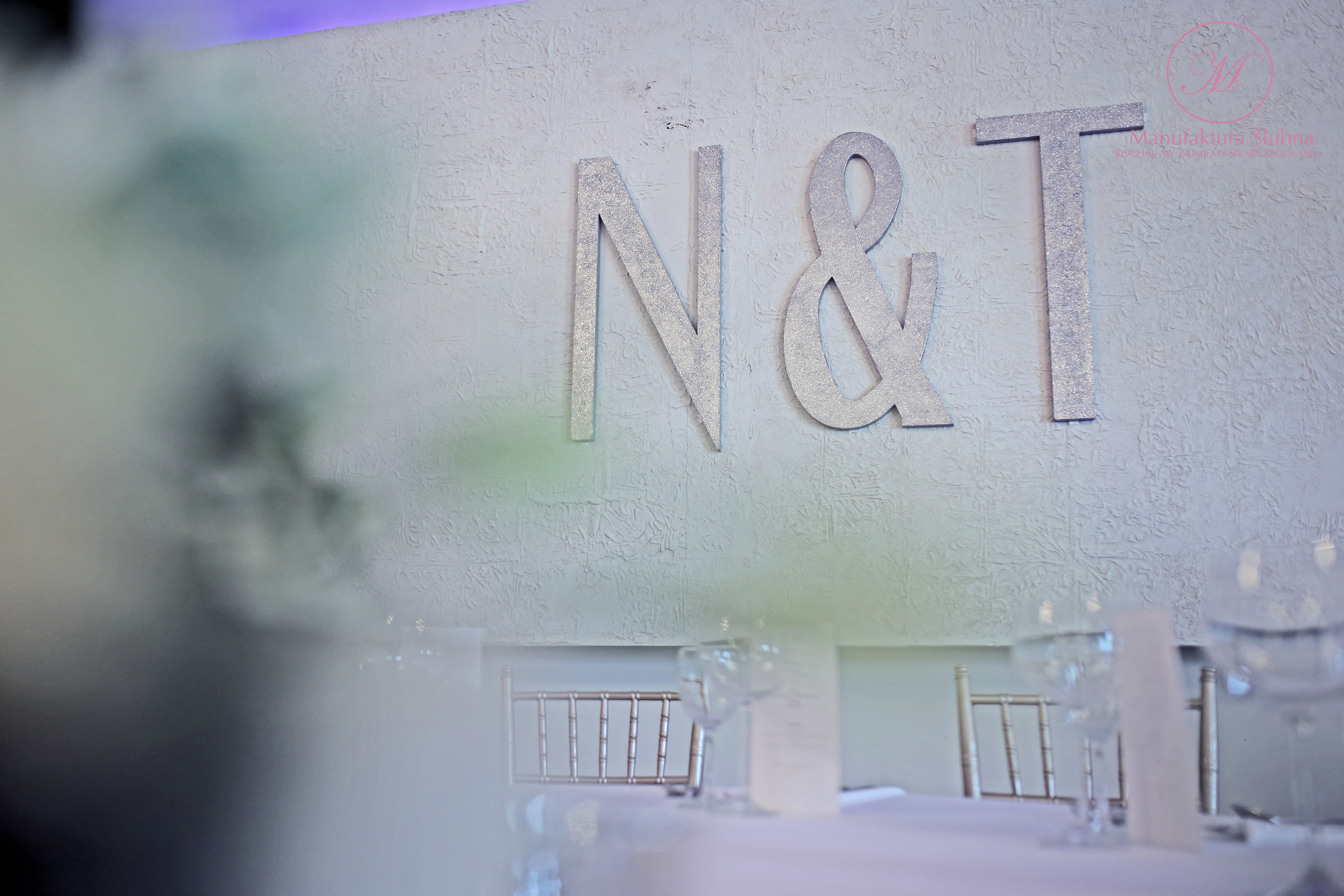 Dekoracje ślubne sali weselnej