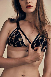 pipi_ttaphan flower cross bra