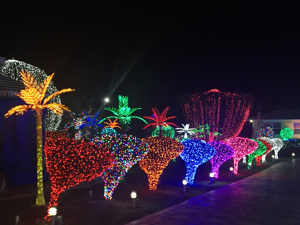 Christmas Lights in Georgetown Grand Cayman, The traveling locals