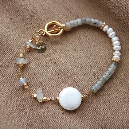 Bracelet Perles d'eau douce et Labradorites Douceur