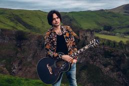 Matt Peach Guitar And Words Promo Shots-