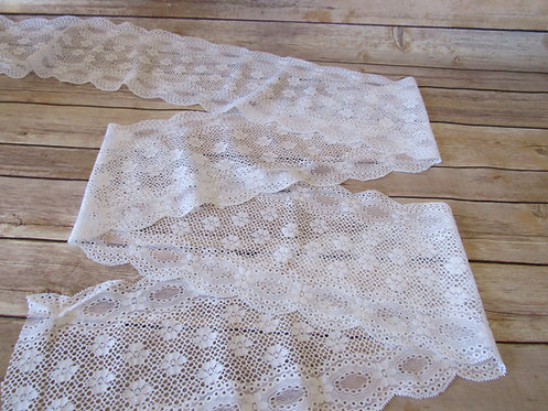 """Stretch Lace - Daisy White - 6.5"""""""