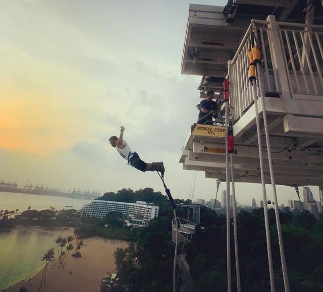Commit. #singapore