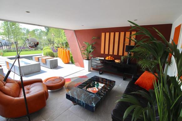 Zen Room - Outside In