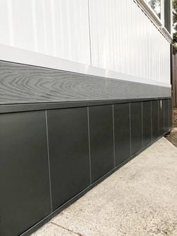 Bottom wall panel