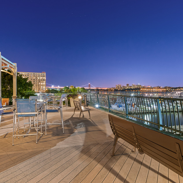 PROMENADE  HOM PHOTOGRAPHY  Real Estate & Commercial P h o t o g r a p h y