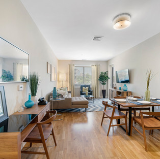 DINNING & LIVING AREAS  HOM PHOTOGRAPHY  Real Estate & Commercial P h o t o g r a p h y