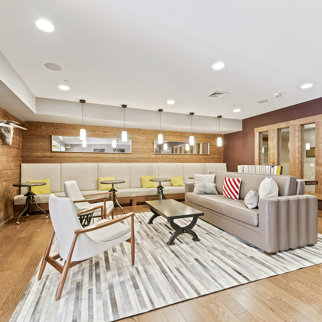 LOUNGE  HOM PHOTOGRAPHY  Real Estate & Commercial P h o t o g r a p h y