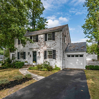 FRONT VIEW  HOM PHOTOGRAPHY  Real Estate & Commercial P h o t o g r a p h y