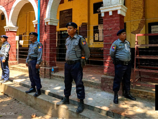 19 MYANMAR COPS FLEE TO INDIA, MORE EXPECTED