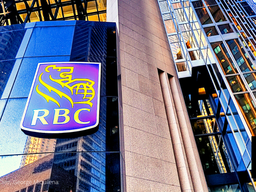 CANADIAN BANKS EXPECT EARNINGS DIP BUT INVESTORS STILL OPTIMISTIC