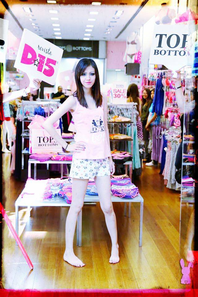 Pasarelas de Tops & Bottoms
