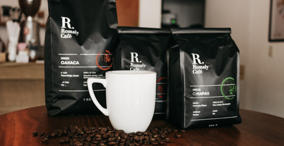 Taza con productos de café.png