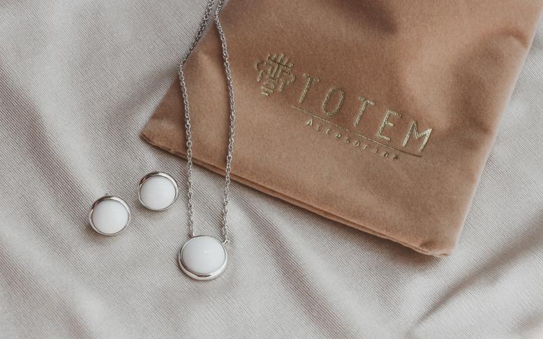 Juego de collar y aretes_Totem