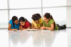 1-girlgroupreading.jpg