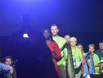 General Synod Opens its Celebration of Light