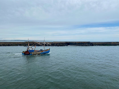 Amble_SouthPier_FishingBoat_Rue.JPG