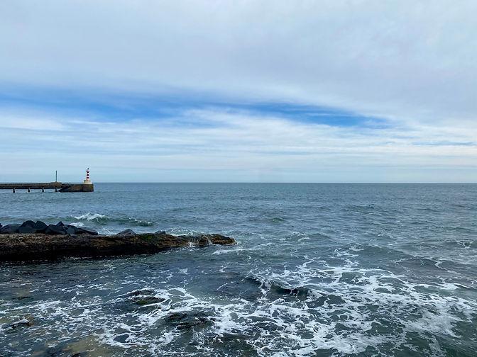 Amble_SouthPier_Lighthouse_Rue.JPG