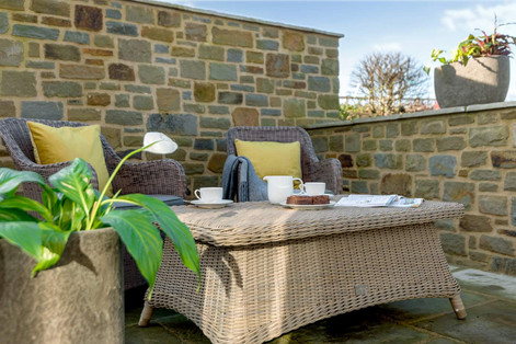 Stone Cottage outside dining area